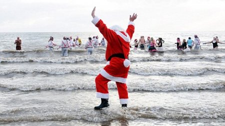Top 7 Swimming Gift Ideas This Christmas (Gifts From Swimmers For Swimmers)