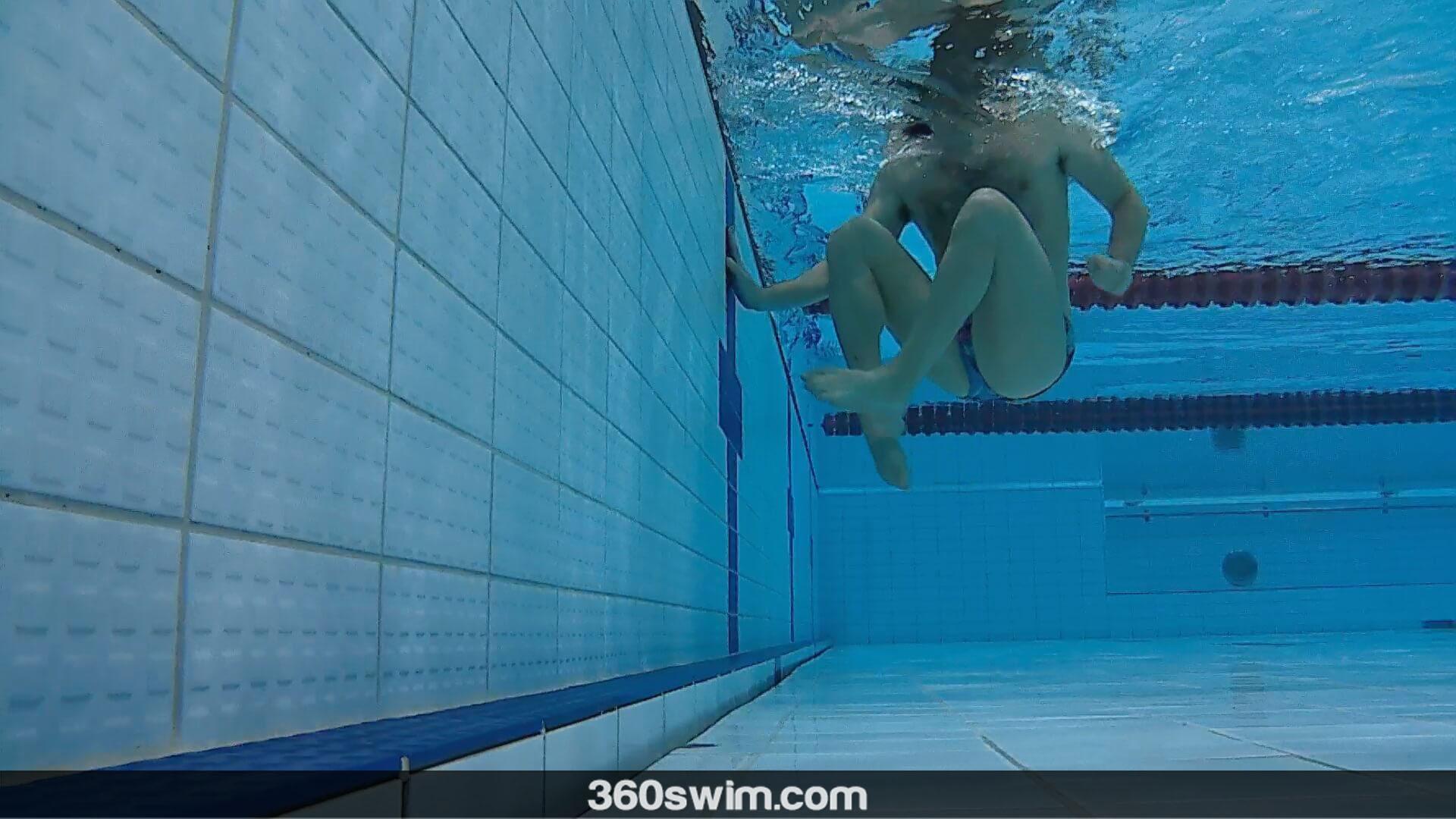 Fast breaststroke turn